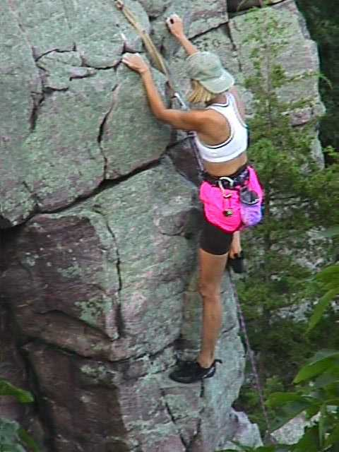 wi_devil lake woman rock climber 3.jpg (39743 bytes)